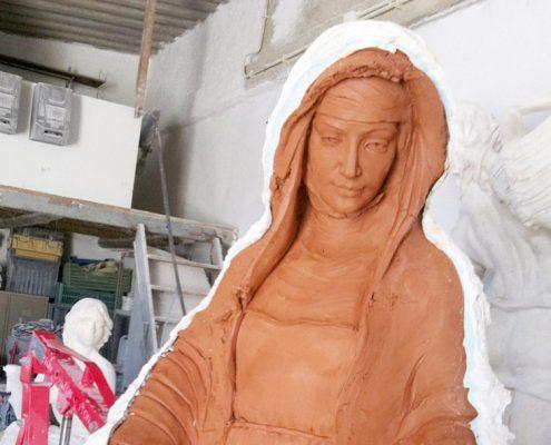 fabricación de imágenes religiosas