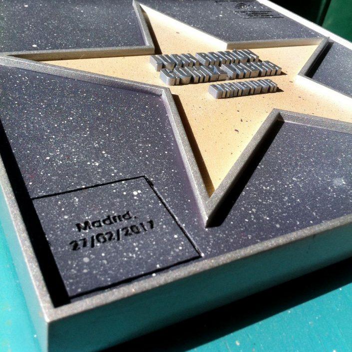 placas homenaje originales