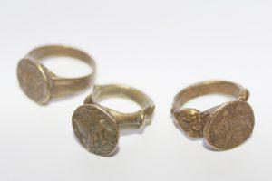 reproducciones de anillos antiguos