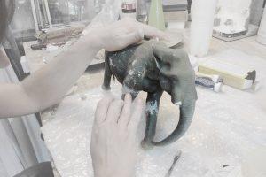 como restaurar esculturas de resina