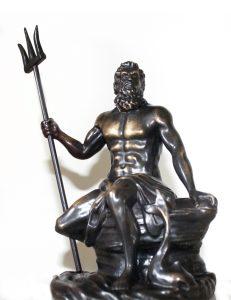 escultura de bronce neptuno