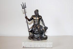 trofeo neptuno bronce y mármol