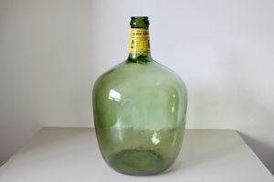 ficticio botella resina