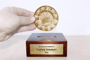 trofeo a medida en bronce
