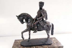 escultura de resina y bronce restauración