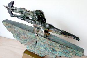 escultura femenina restaurada