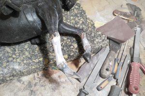 restauración figura caballo