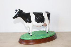 vacas de resina para trofeos