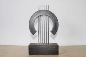 trofeo personalizado fabricado en madera y metal